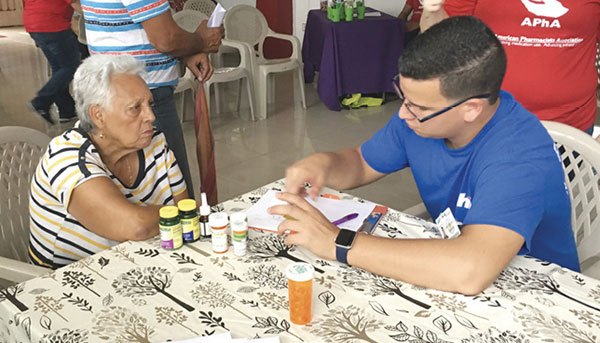 Volunteers at clinic in Puerto Rico